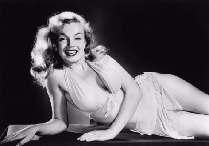 Photo Credit: http://uproxx.com/movies/2015/01/marilyn-monroes-1955-new-years-resolutions-revealed-a-woman-determined-to-turn-her-miserable-life-around/