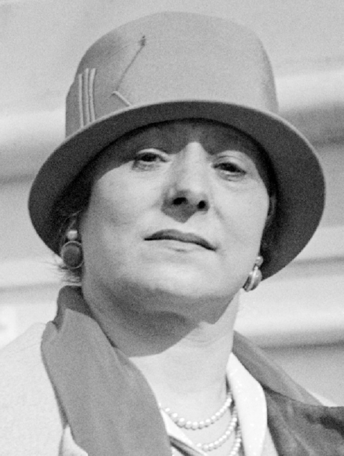Photo Credit: http://www.famousfix.com/topic/helena-rubinstein/photos