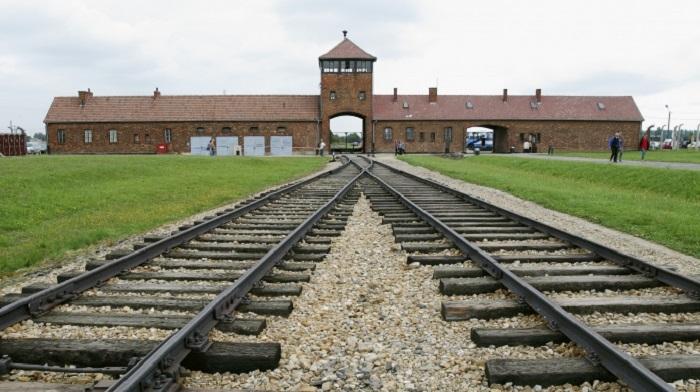 Photo Credit: https://hamdocamo.wordpress.com/2015/11/09/10-most-wanted-nazi-war-criminals/