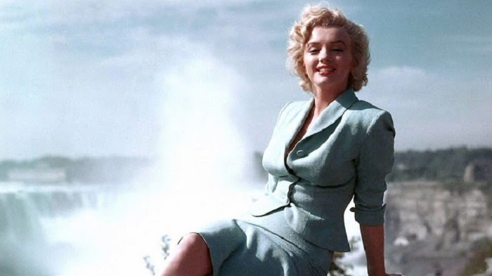 Photo Credit: http://www.jadorefashionlove.com/2012/01/beautiful-actresses-2-marilyn-monroe.html