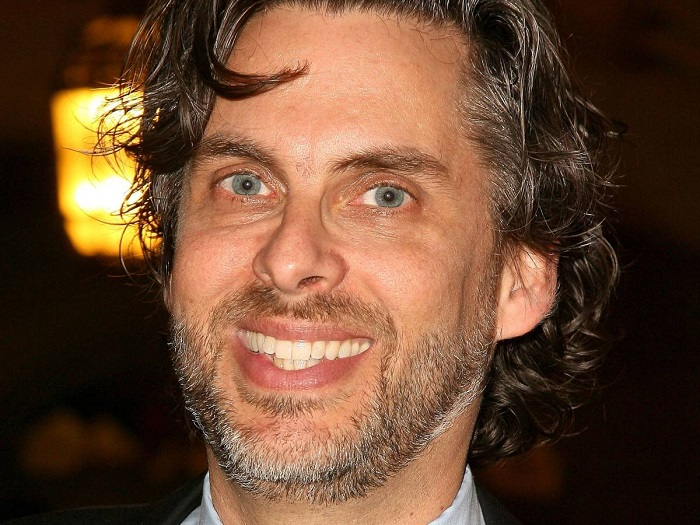 Photo Credit: http://www.slate.com/blogs/browbeat/2011/03/08/michael_chabon_and_ayelet_waldman_s_new_hbo_show.html