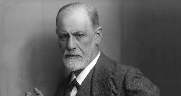 https://commons.wikimedia.org/wiki/File:Sigmund_Freud,_by_Max_Halberstadt_(cropped).jpg