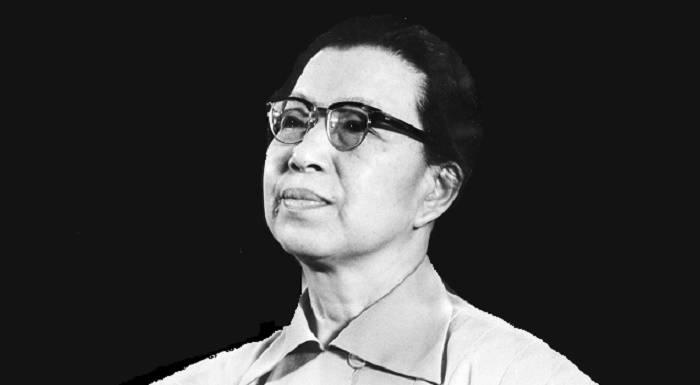 https://commons.wikimedia.org/wiki/File:Jiang_Qing_1976.jpg