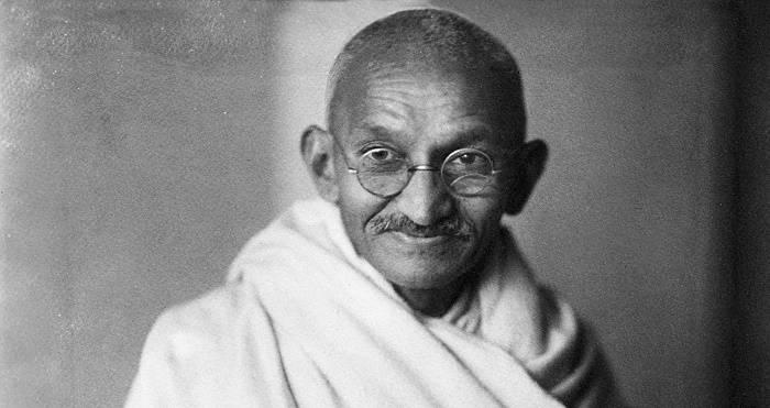 https://commons.wikimedia.org/wiki/File:Mahatma-Gandhi,_studio,_1931.jpg