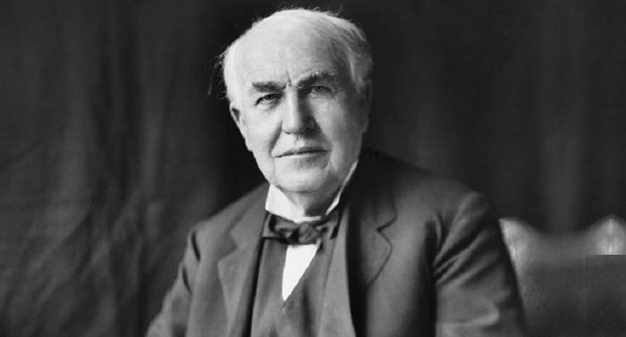 https://commons.wikimedia.org/wiki/File:Thomas_Edison2.jpg